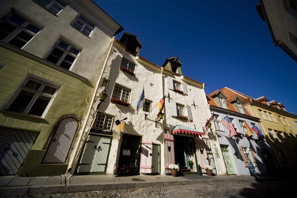 Tallinn old town Baltic Holidays private tour