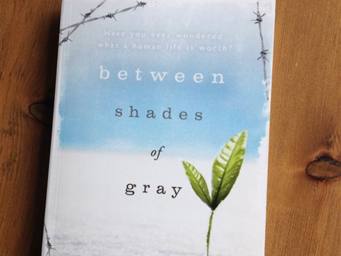 Between Shades of Gray by Ruta Sepetys book cover