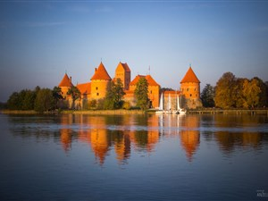 Trakai castle private day trip is a highlight of a Baltic capitals tour