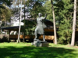 Grutas Park Soviet Sculpture Park day trip with private driver-guide