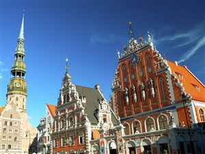 Riga old town is majestic, the Paris of the North so they say!